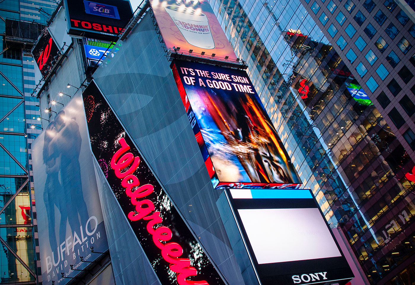 Photography on a Budget - Times Square Photo