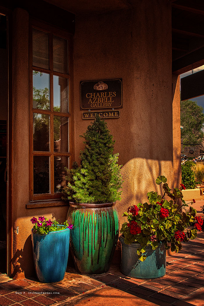 A gallery on Canyon Road in Santa Fe.